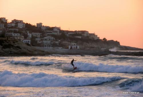 Mesakti surfing