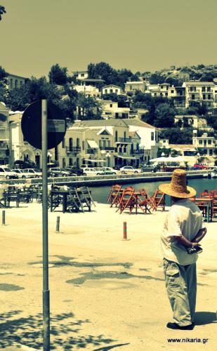 Είχε δει ένα τρελό καλοκαίρι στο λιμάνι φωτιά, τον ήλιο πάλι να πέφτει
