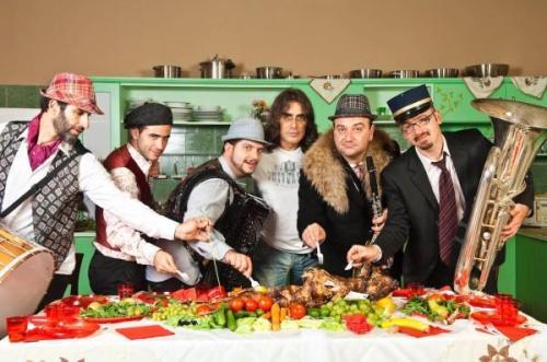 Cabaret Balkan live στην Ικαρία