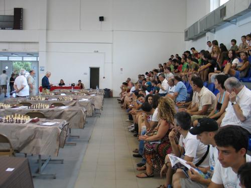 114 συν 16 συμμετοχές  στην Ικαρία